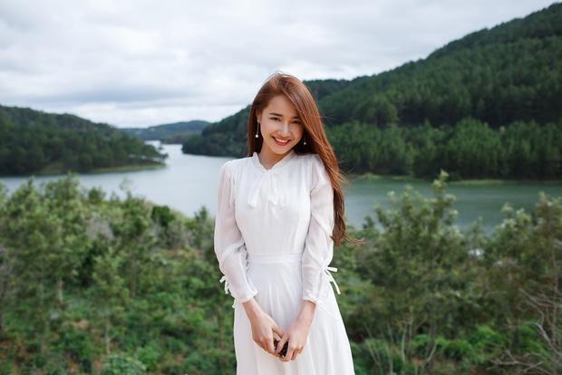 """Với việc tham gia các bộ phim truyền hình dài tập trên sóng quốc gia, Nhã Phương trở thành """"nữ diễn viên quốc dân"""", quen mặt với phần đông khán giả."""