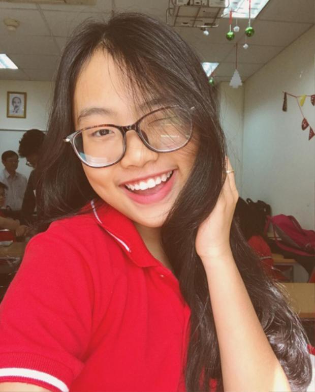Mặc dù vậy, hiện nay Phương Mỹ Chi cũng chỉ mới 14 tuổi, vì vậy những bức ảnh đời thường của cô bé vẫn rất nhí nhảnh và đáng yêu.