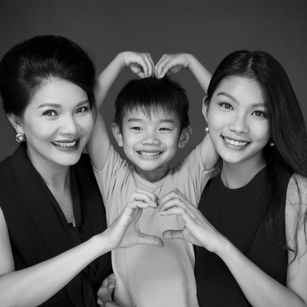 Diễn viên Kiều Trinh và hai chị em Cẩm Tú