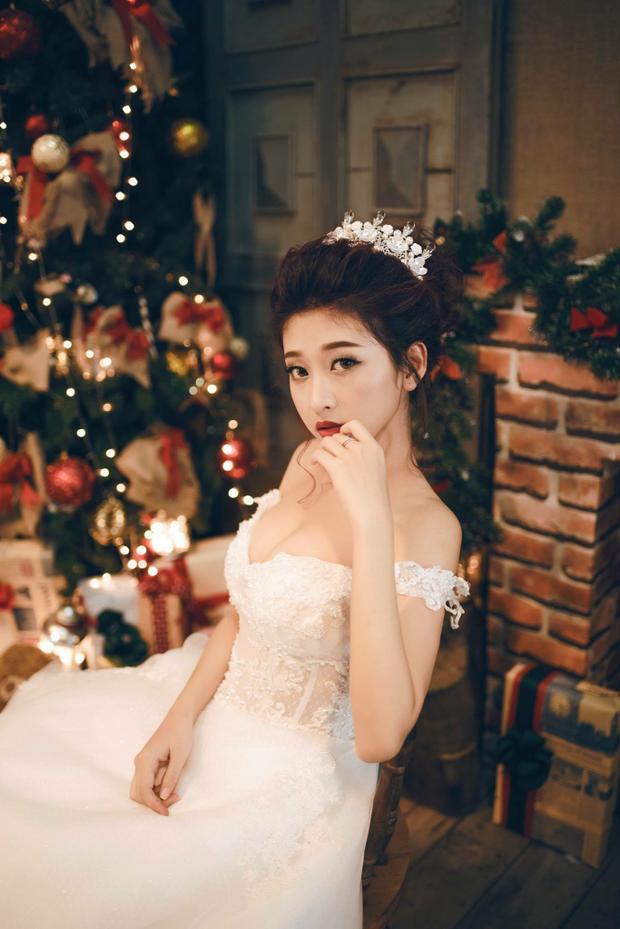 #8. Nguyễn Thị Kim Chi: Với lợi thế được nhiều người biết đến từ bộ phim dành cho giới trẻ có tên Cấp 3, Kim Chi luôn nằm trong top 10 thí sinh có nhiều bình chọn nhất trong vòng casting online. Ngoài gương mặt xinh đẹp, Kim Chi còn gây ấn tượng bởi nụ cười rạng rỡ, hút ánh nhìn.