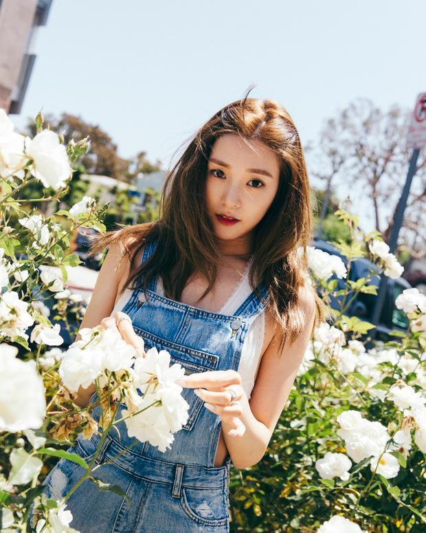 Tiffany cũng tẩu tán được hơn 60.000 bản album solo đầu tay I Just Wanna Dance.
