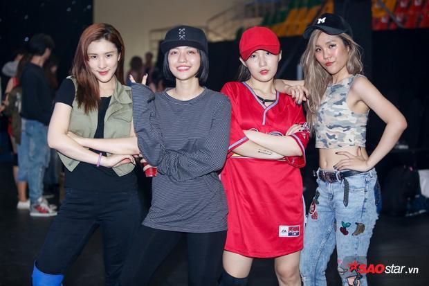 4 cô nàng xinh đẹp của Lip B: NaWhan, Yori, Annie, Mei.