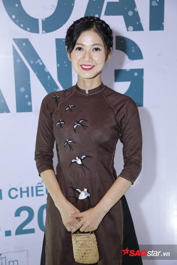 Nữ diễn viên Oanh Kiều vào vai Út Trong lúc trẻ - cô gái khiến cho Tư Lành và Năm Triều si mê.