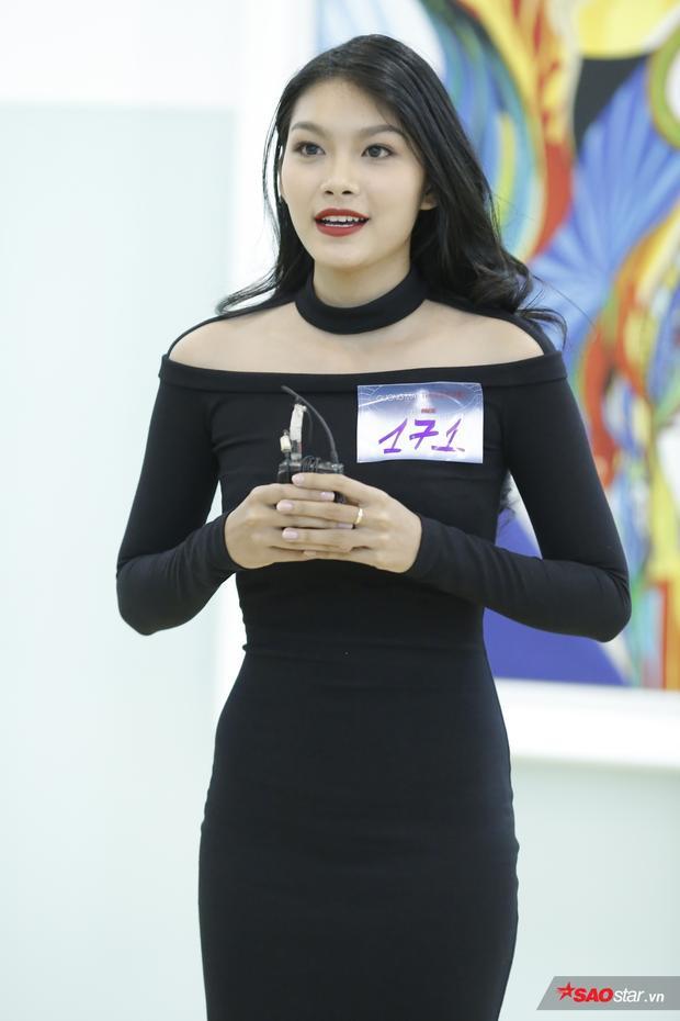 Con gái nữ diễn viên Kiều Trinh - Cẩm Tú khoe vẻ đẹp thu hút trong buổi gặp gỡ lần này.