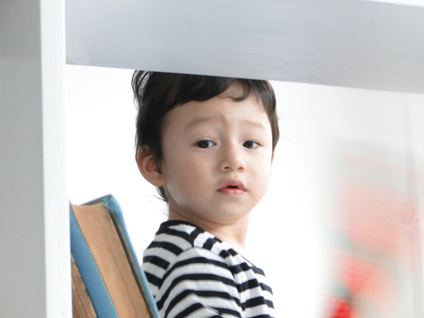 Cậu nhóc thừa hưởng nhiều nét đẹp từ bố mẹ.