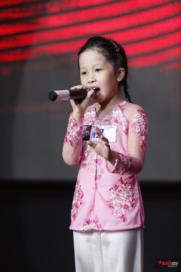 Giám khảo căng thẳng trước nhiều giọng ca nhí xuất sắc tại buổi sơ tuyển Giọng hát Việt nhí 2017