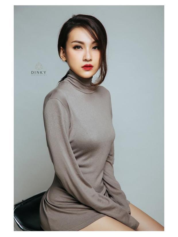 """Nguyễn Thị Cẩm Anh: Cẩm Anh được mọi người biết đến như là """"bạn gái tin đồn"""" của chàng producer điển trai Nimbia, sinh năm 1990, là một người mẫu ảnh và kinh doanh trên mạng."""