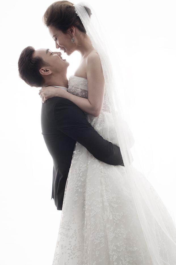 Hôn lễ của cặp đôi sẽ diễn ra vào ngày 22/3 tới đây tại Hà Nội.