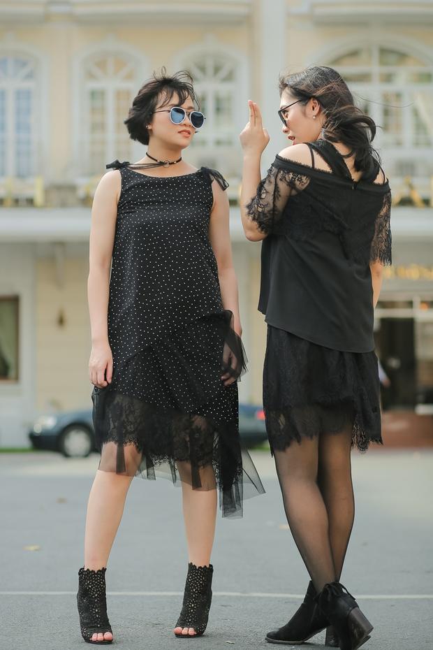 Cả hai tung tăng dạo phố Sài Gòn.