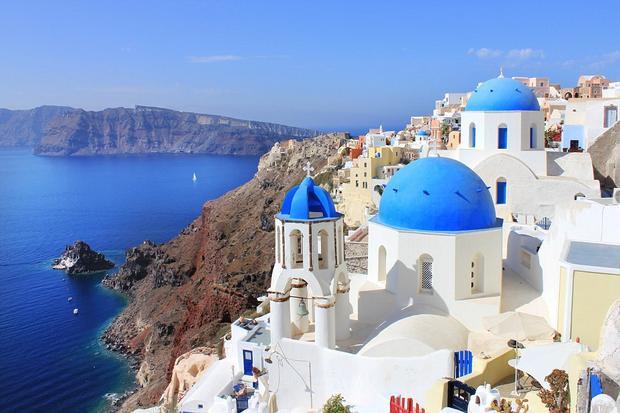 Kiến trúc và màu sắc củanhững ngôi nhà đặc trưng đảo Santorini được lấy ý tưởng cho khách sạn ở Đà Nẵng.