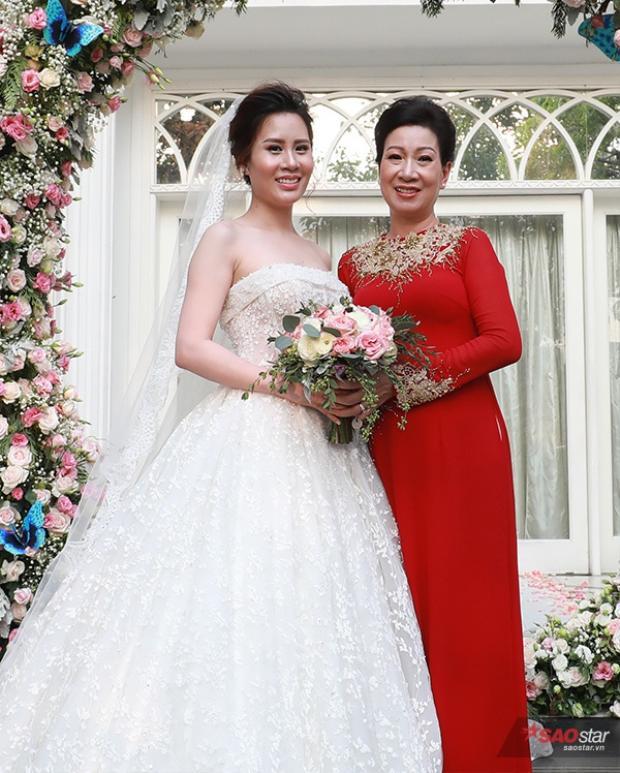 Ngọc Hương và mẹ.
