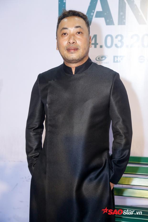 Đạo diễn Nguyễn Quang Dũng trong buổi ra mắt phim mới.