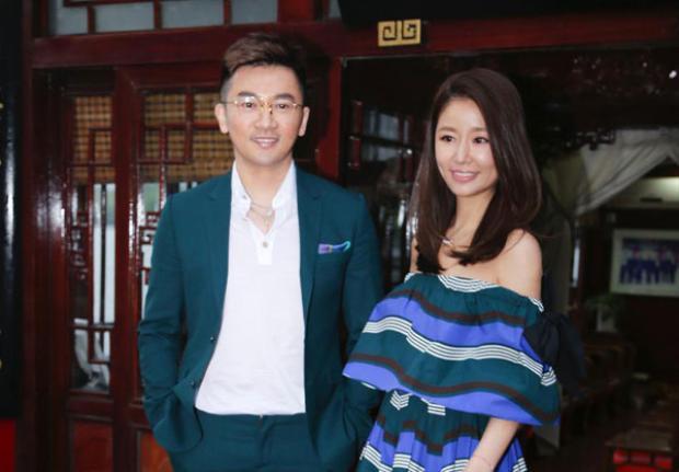 Lâm Tâm Như còn nhận được nhiều lời khen về nhan sắc xinh đẹp, vóc dáng thon gọn chỉ sau 2 tháng sinh con.