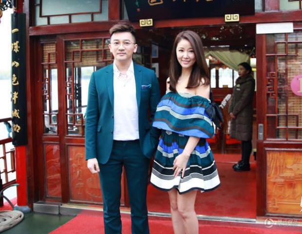 Lâm Tâm Như và Tô Hữu Bằng tái ngộ trên hồ Đại Minh - nơi đoàn phim Hoàn Châu Cách cách có rất nhiều kỷ niệm.