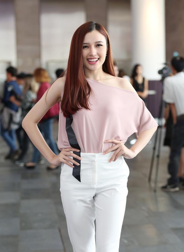 Phương Chi gây ấn tượng với vẻ đẹp ngọt ngào, gu thời trang thanh lịch trong buổi casting vừa qua.