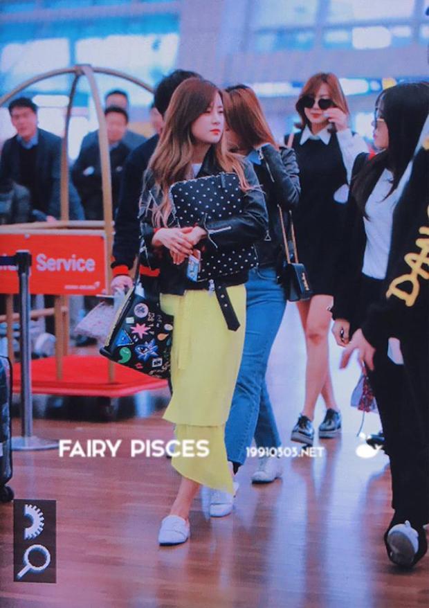 A Pink và SEVENTEEN xuất hiện rạng rỡ ở sân bay Hàn khi chuẩn bị tới Việt Nam
