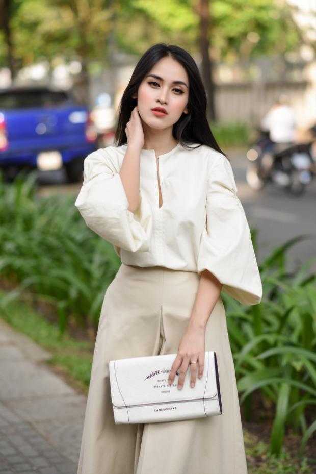 Diện trang phục màu be nền nã nhẹ nhàng, Tú Vi ngày càng thể hiện gout thời trang đẳng cấp, sang trọng