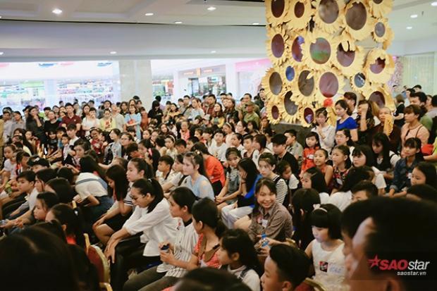 Ngày đầu sơ tuyển khu vực Hà Nội thu hút rất đông các thí sinh đến đăng ký.