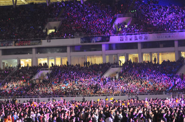 """Nói là tầm cỡ nhất bởi đại nhạc hội này có thể mời hẳn DBSK, SNSD, T-ara,… và nhiều nghệ sĩ lớn khác về Việt Nam ở vào thời điểm """"đỉnh cao"""" của làn sóng Hallyu."""