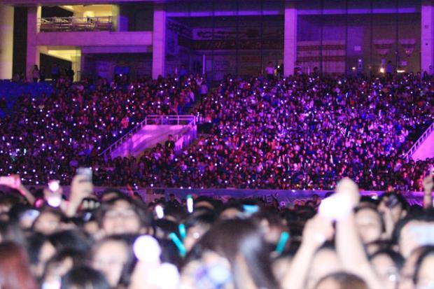 Tuy vậy, các fan EXO, SHINee và GOT7 cùng dàn sao vẫn không thể lấp đầy 40.000 ghế.