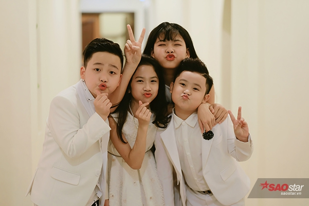 Sau hơn nửa năm cuộc thi Giọng hát Việt nhí 2016 khép lại, học trò Noo Phước Thịnh ngày càng lớn và chững chạc hơn.