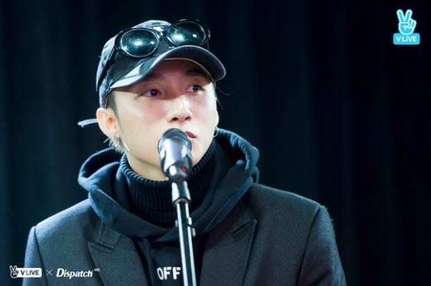 Sơn Tùng M-TP háo hức giây phút gặp người hâm mộ tại Hàn Quốc.
