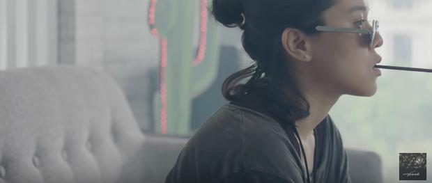 Tiên Tiên trở lại nữ tính và đẫm nước mắt trong MV mới