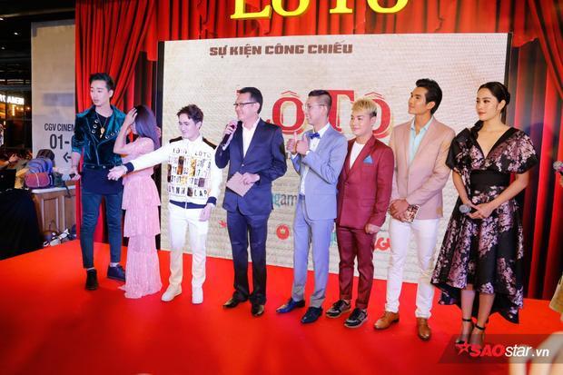 Dàn diễn viên Lô tô tham gia họp báo ra mắt.