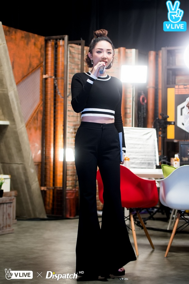 Tóc Tiên cùng hotgirl xứ Kim chi song ca Em không là duy nhất phiên bản tiếng Hàn