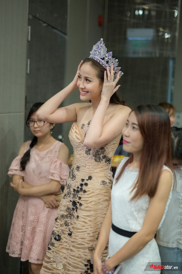 Khánh Ngân xúc động khi nhìn lại hành trình của mình tại Hoa khôi du lịch Việt Nam vừa qua.