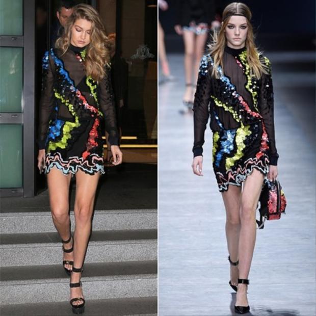 Gigi Hadid cũng chọn nguyên set váy và giày gài quai ngay cổ chân của Versace