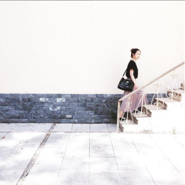 Chiếc bậc thang cổ kính tạo thành dấu ấn đặc biệt, lọt vào con mắt yêu thích của các sinh viên thích chụp ảnh.