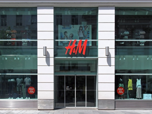 Có thể nói với tín đồ thời trang Việt nếu H&M về Việt Nam đồng thời đưa Arket trình làng thì đây được coi như niềm vui nhân đôi.