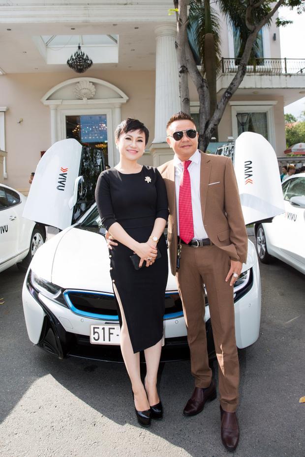 Chủ tịch VIVU - bà Nguyễn Phan Hoài Xuyên và bạn - ông Huy Hoàng.