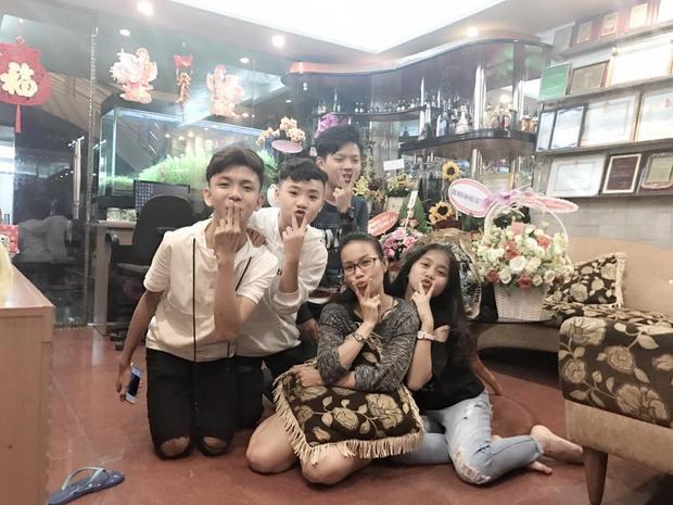 Rời Giọng hát Việt nhí nhưng HLV Cẩm Ly vẫn hết lòng giúp đỡ học trò mỗi khi các bạn nhỏ cần.