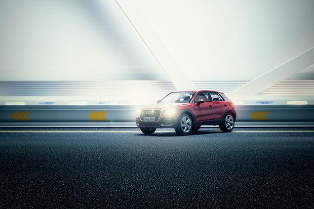 Mông lung như một trò đùa: Quay quảng cáo xe Audi tiền tỷ bằng ô-tô đồ chơi