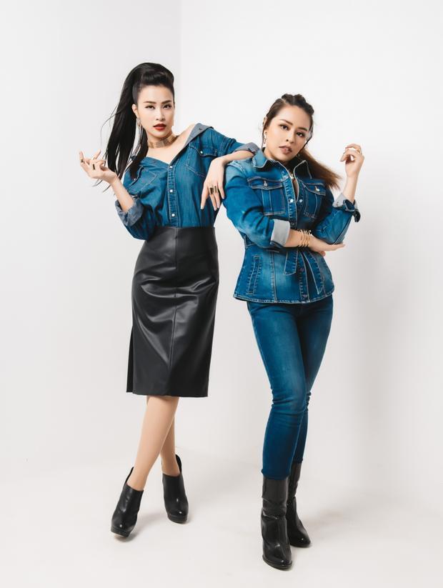 """Giọng ca """"Vì ai vì anh"""" cá tính và thời trang khi kết hợp áo denim cùng váy da bên cạnh Thái Bảo Trâm."""