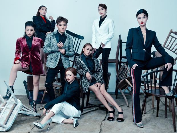 Cố vấn của team Đông Nhi là ca sĩ Thanh Hà, nhạc sĩ Đỗ Hiếu và ca sĩ Hoàng Tôn cũng không ngớt lời khen ngợi dành cho nữ HLV.
