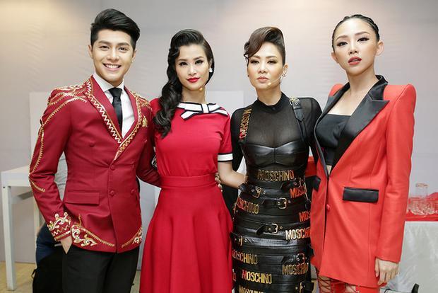 Bộ tứ HLV The Voice 2017: Noo Phước Thịnh, Đông Nhi, Thu Minh, Tóc Tiên.