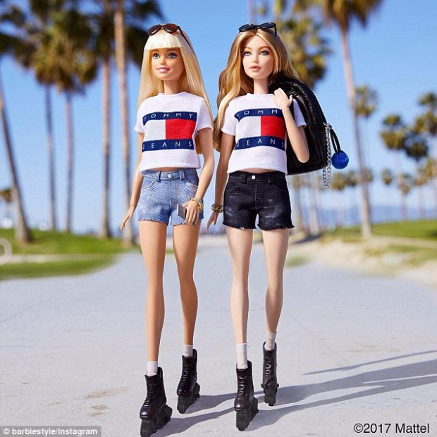 Không ít lần Gigi được ví như nàng búp bê huyền thoại Barbie. Thậm chí, chủ nhân thương hiệu này từng giới thiệu sản phẩm từ hình mẫucô nàng.