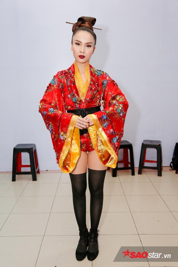Cùng với hình tượng Geisha, Yến Trang sẽ làm mới hình ảnh của hình khi dàn dựng tiết mục vô cùng độc đáo.