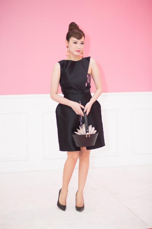 Mẫu túi với kiểu dáng thời trang và sáng tạo.
