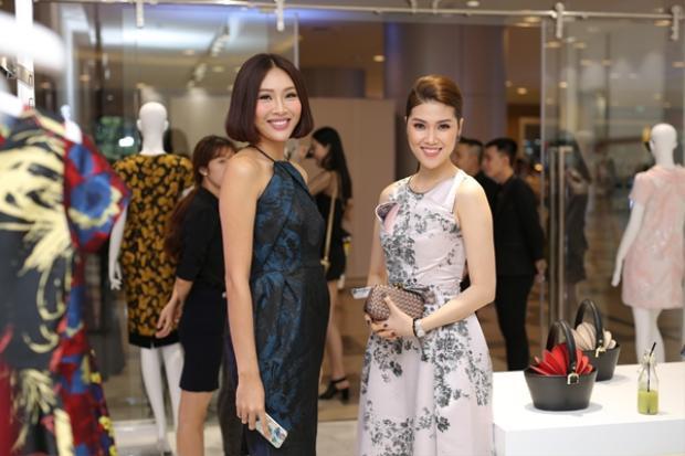 Siêu mẫu Thu Hằng (phải) và Hoa khôi Diệu Ngọc.