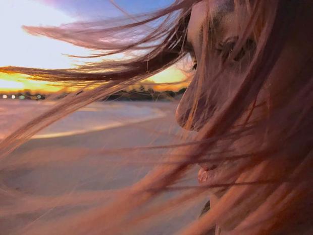 Muốn xinh đẹp và ấn tượng trong hè này, các nàng nên nhuộm ngay những màu tóc bá cháy như Phan Quỳnh Như