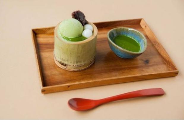 MOF nổi tiếng với các loại dessert mang hương vị trà xanh độc đáo.
