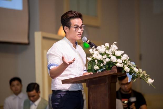 Trước đây, Hà Anh Tuấn cũng rất nhiều lần tham gia vào các hoạt động rất ý nghĩa dành cho các bạn trẻ đặc biệt là học sinh - sinh viên.