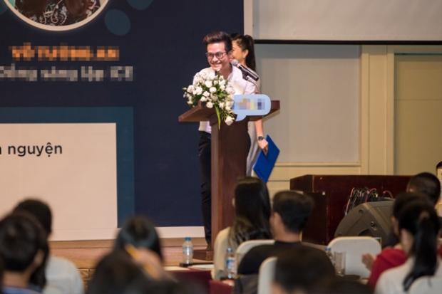Năm 2016 vừa qua là một năm thành công với nam ca sĩ khi thực hiện 2 đêm liveshowCafé In Concerttại TP.HCM và Hà Nội cùng nhiều sản phẩm và giải thưởng âm nhạc ấn tượng khác. Hiện tại, nam ca sĩ ấp ủ và thực hiện nhiều dự án âm nhạc để đáp lại tình cảm của khán giả dành cho anh trong hơn 10 năm theo đuổi con đường ca hát.