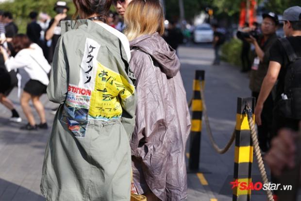 """Những chiếc áo khoác mang đậm style Nhật cũng dần được các tín đồ thời trang """"check in"""" tại VIFW 2017."""