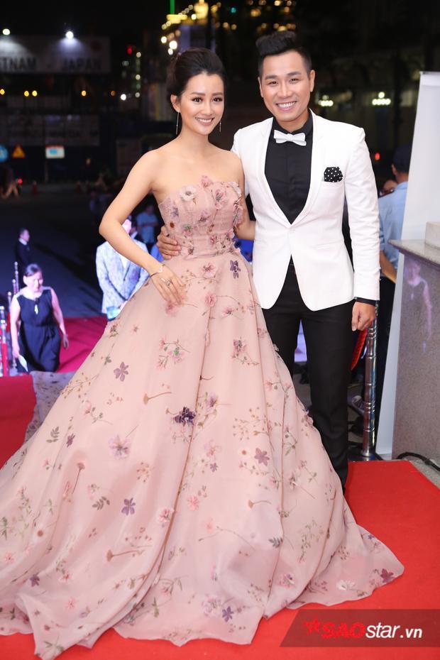MC Quỳnh Chi sẽ cùng dẫn dắt buổi lễ trao giải Cống hiến 2017 với Nguyên Khang.