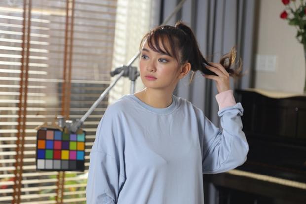 """Kaity Nguyễn cho rằng cô có nhiều nét tương đồng với nhân vật Linh Đan, nên trong cả bộ phim cô """"diễn như không diễn""""."""
